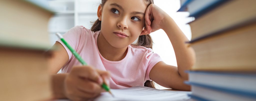 Signs of Dyslexia girl lokking frustrated